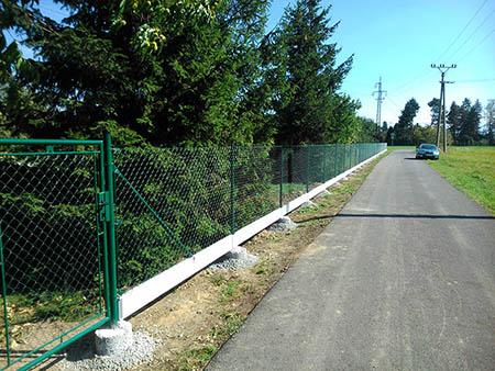 Pletivový plot 150cm vč. podhr. desek, 3x brána, 4x branka