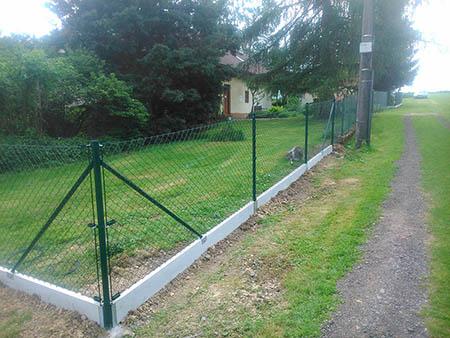 Pletivový plot v. 150cm, délka 60m, podhrabové desky